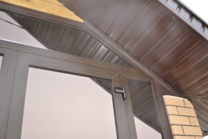 Защита монтажного шва уголками и металлом
